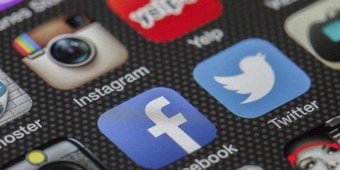Zavisnost od društvenih mreža